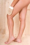 美丽的行程温泉妇女 免版税库存图片