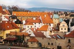 美丽的街道在捷克克鲁姆洛夫镇在捷克 其中一个最美丽的异常的小城市  图库摄影