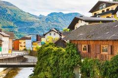 美丽的街道在Ebensee村庄,奥地利 库存图片