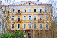 美丽的被放弃的旅馆在Marianske Lazne,桃莉 库存图片