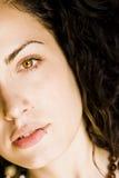 美丽的被注视的绿色妇女年轻人 库存照片