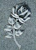 美丽的被雕刻的玫瑰色石头 库存图片