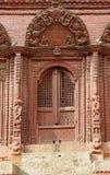 美丽的被雕刻的门 库存照片