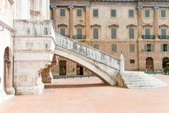 美丽的装饰内部大理石楼梯 库存照片