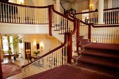 美丽的豪华楼梯 免版税库存图片