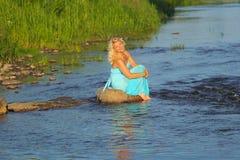 美丽的资深白肤金发的妇女 库存照片