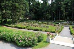 美丽的走道、喷泉和玫瑰园, Yaddo庭院,萨拉托加斯普林斯,纽约, 2013年 免版税库存图片