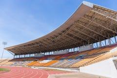 美丽的足球场用于足球比赛和竞技 图库摄影
