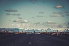美丽的路在一个国家公园 库存图片