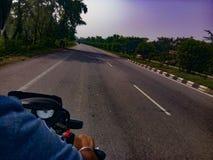 美丽的路在印度 免版税库存照片