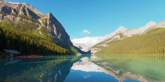 美丽的路易丝湖 库存照片