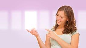 美丽的选择妇女 免版税库存图片