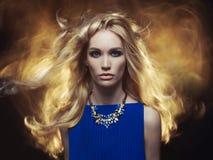 美丽的金发碧眼的女人 库存图片