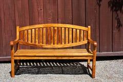 美丽的长凳庭院 免版税库存图片