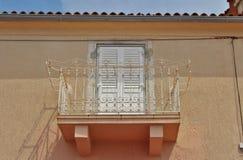 美丽的阳台在Krk镇在Krk海岛上的  免版税库存图片