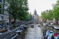 美丽的阿姆斯特丹在6月 免版税库存照片