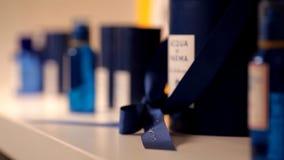 美丽的香水在一家有名望的商店 影视素材