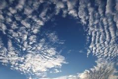 美丽的高天空 免版税库存照片
