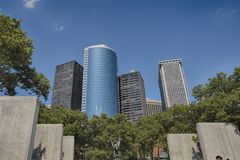 美丽的高层建筑物在曼哈顿 库存照片