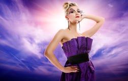 美丽的魅力potrait妇女 免版税库存照片