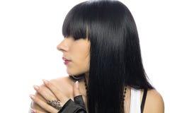 美丽的黑发长的妇女年轻人 免版税图库摄影