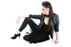美丽的黑色礼服女孩年轻人 免版税库存照片