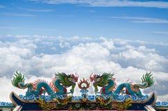 美丽的龙雕象 免版税库存照片