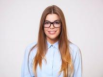 美丽的年轻女商人演播室画象  免版税库存照片