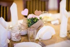 美丽的结婚宴会桌装饰 库存照片