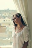 美丽的35岁的妇女 免版税库存图片