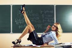 美丽的年轻性感的老师 免版税库存照片