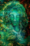 美丽的幻想鲜绿色神仙的画象,绘画,目光接触的五颜六色的关闭 图库摄影