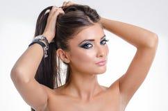 美丽的画报白肤金发的少妇蓝眼睛特写镜头画象  图库摄影
