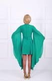 美丽的黑暗的绿松石礼服 免版税图库摄影
