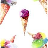 美丽的紫罗兰色明亮的可口鲜美在奶蛋烘饼垫铁的巧克力美味的逗人喜爱的夏天点心冰淇凌 库存图片
