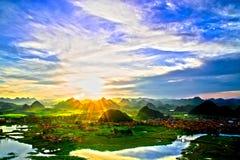 美丽的绿色乡下 库存照片