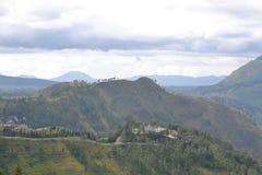 美丽的绿色山 免版税图库摄影