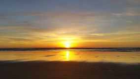 美丽的黄色海滩&日落 库存照片