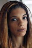 美丽的年轻西班牙妇女特写 免版税图库摄影