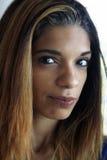 美丽的年轻西班牙妇女特写 图库摄影