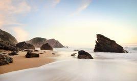 美丽的Adraga海滩 免版税库存图片