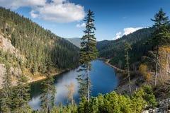 美丽的Amut山湖 免版税库存图片