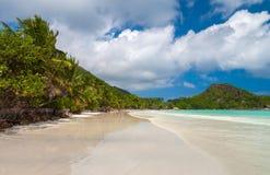 美丽的Anse Volbert海滩 免版税库存照片