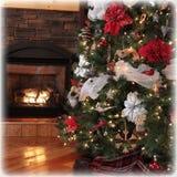 美丽的Chritsmas树和壁炉Instgram  库存图片