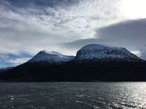 美丽的Helgeland海岸在诺尔兰县,挪威 免版税库存照片