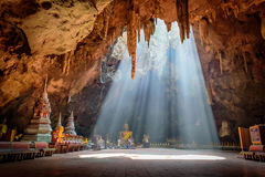 美丽的Khao Luang洞在Phetchaburi 免版税库存照片