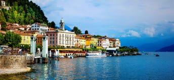 美丽的Lago二科莫-贝拉焦镇全景  在Ita北部 免版税图库摄影