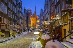美丽的Mariacka街道在格但斯克在多雪的冬天 库存照片