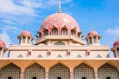 美丽的Putra清真寺 免版税库存照片
