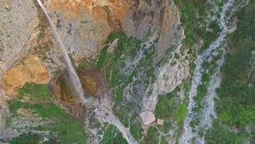 美丽的Rinka瀑布在斯洛文尼亚从上面 股票录像